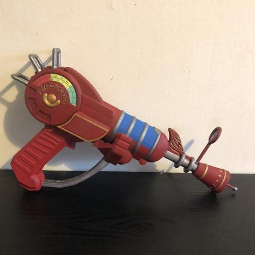 "3D Printed 15"" Zombie Ray gun mk1 revisited painted"